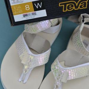 TEVA/Sz 8/39 IRIDESCENT WHITE LEATHER SANDALS NEW